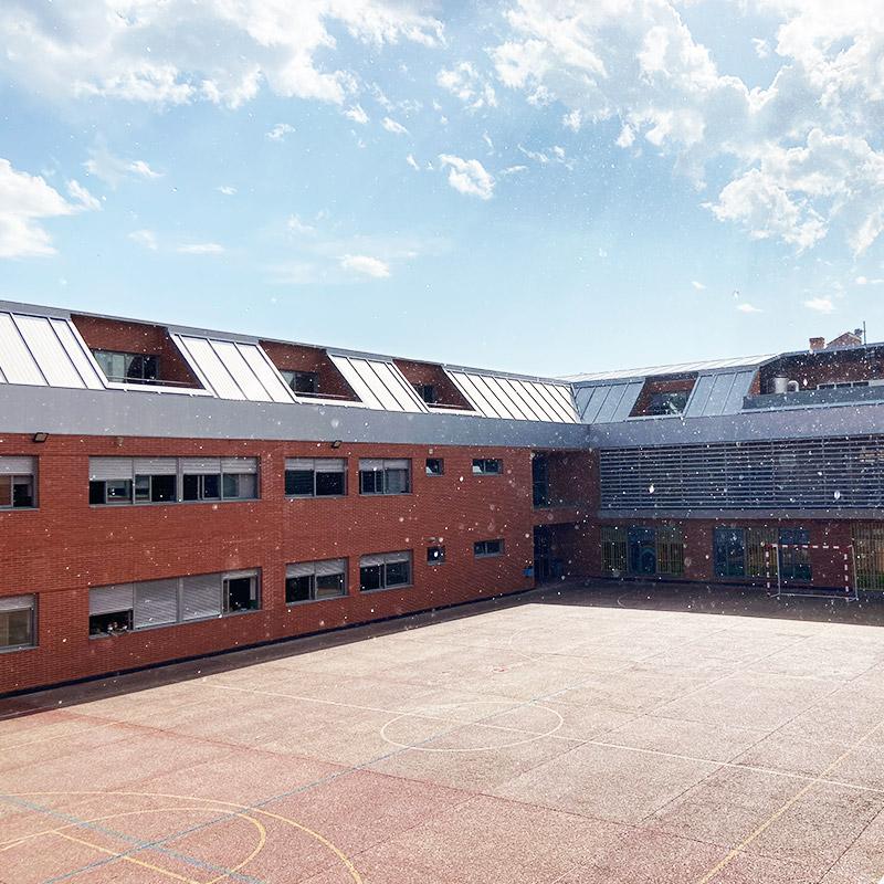 Colegio Hélade · Instalaciones